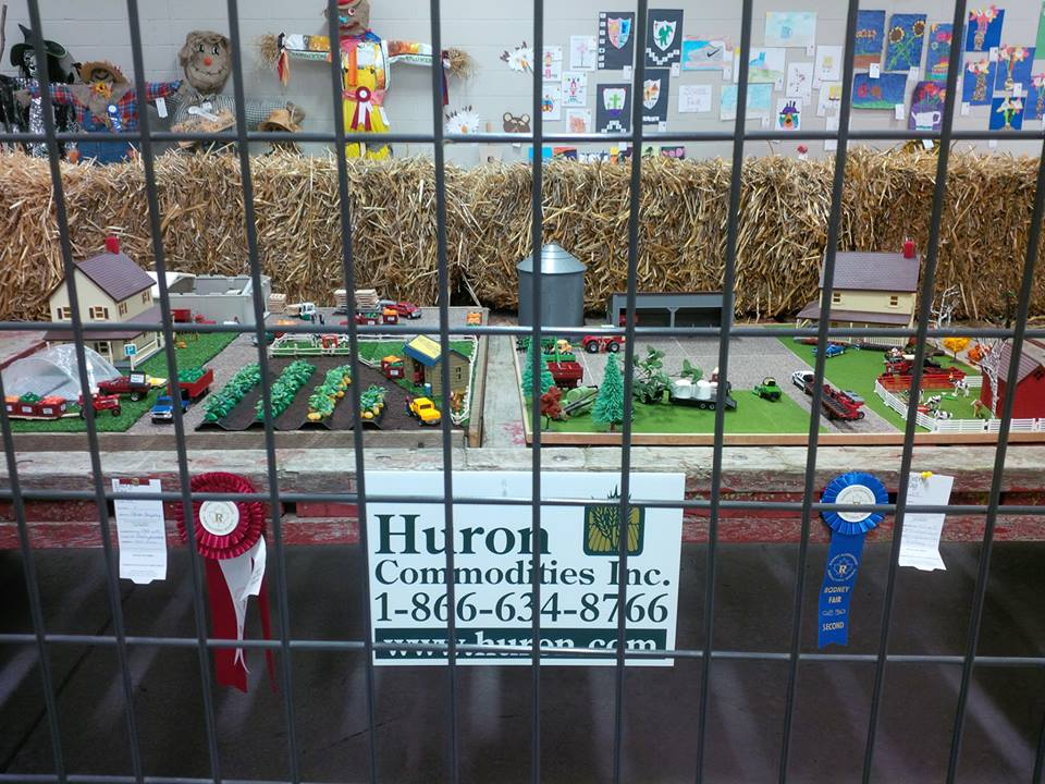 FARM DISPLAY